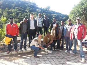 Grupo de Haitianos em Bento Gonçalves com o pastor John John